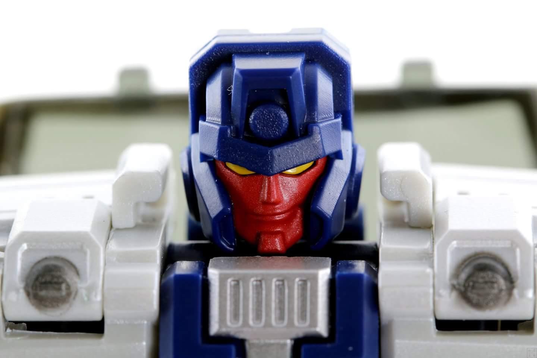 [Transform Mission] Produit Tiers - Jouet M-01 AutoSamurai - aka Menasor/Menaseur des BD IDW - Page 4 EM9G1jK5