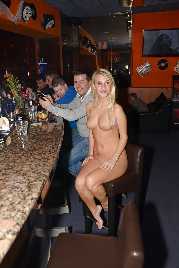 amateur restaurant sex