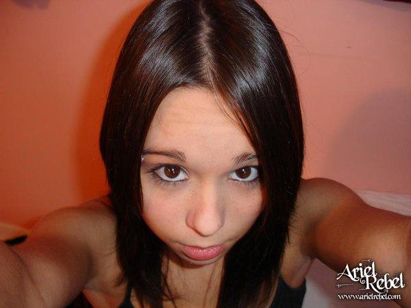 Ariel Rebel hermosa y perfecta 2