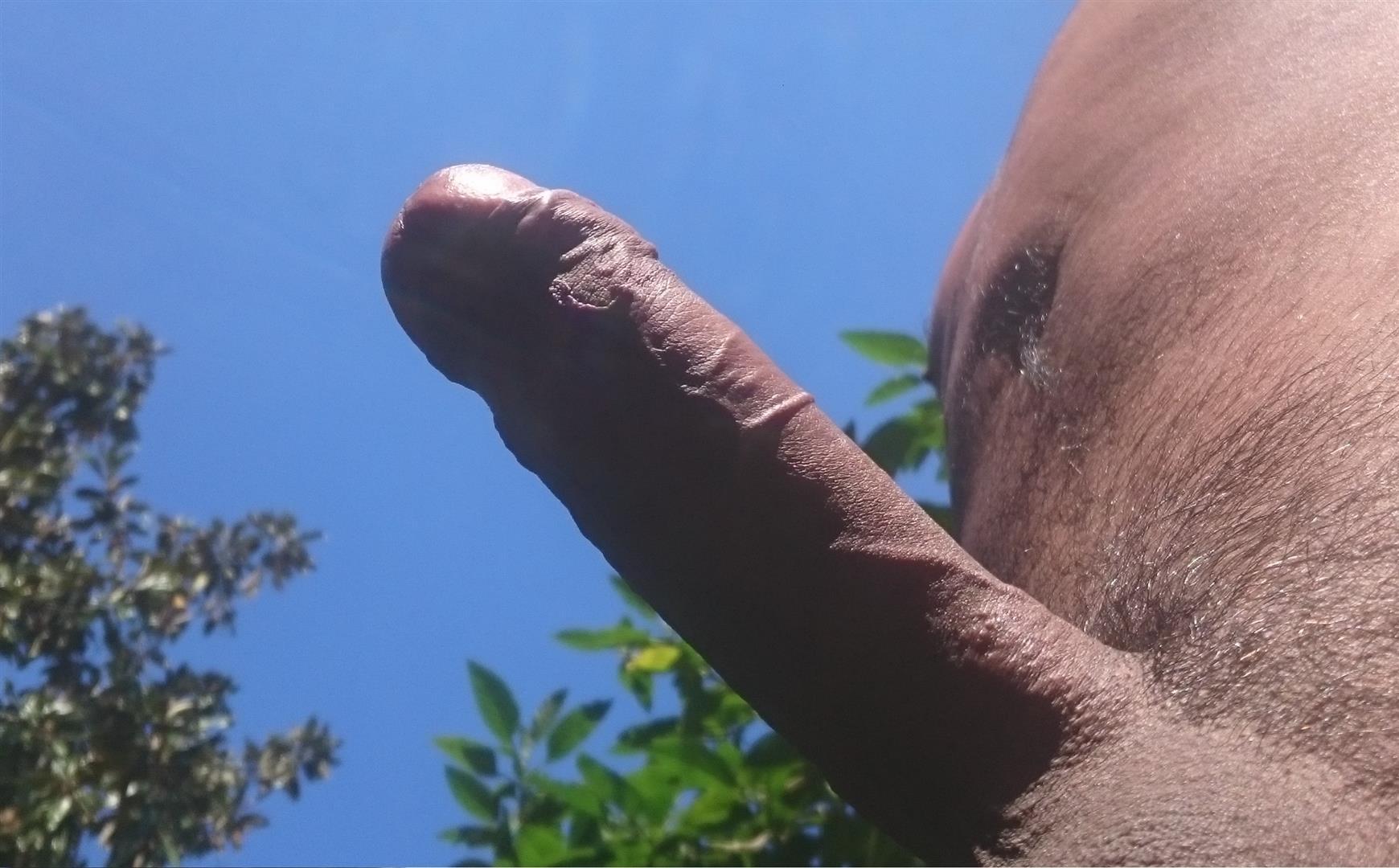 Booty negro maduro al aire libre