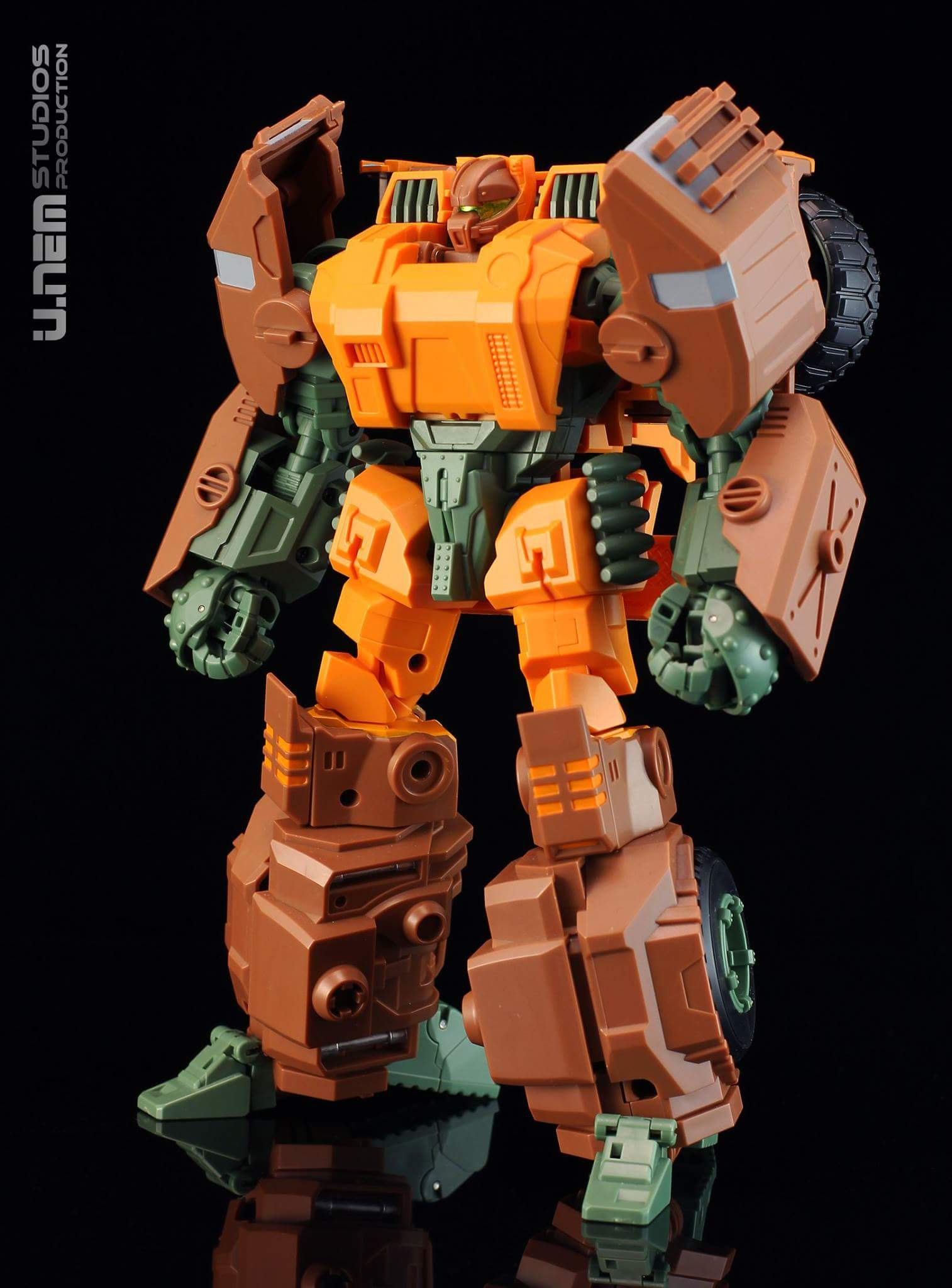 [Mastermind Creations] Produit Tiers - R-23 Dicamus - aka Roadbuster/Cahot des Wreckers IDW F12rntO0