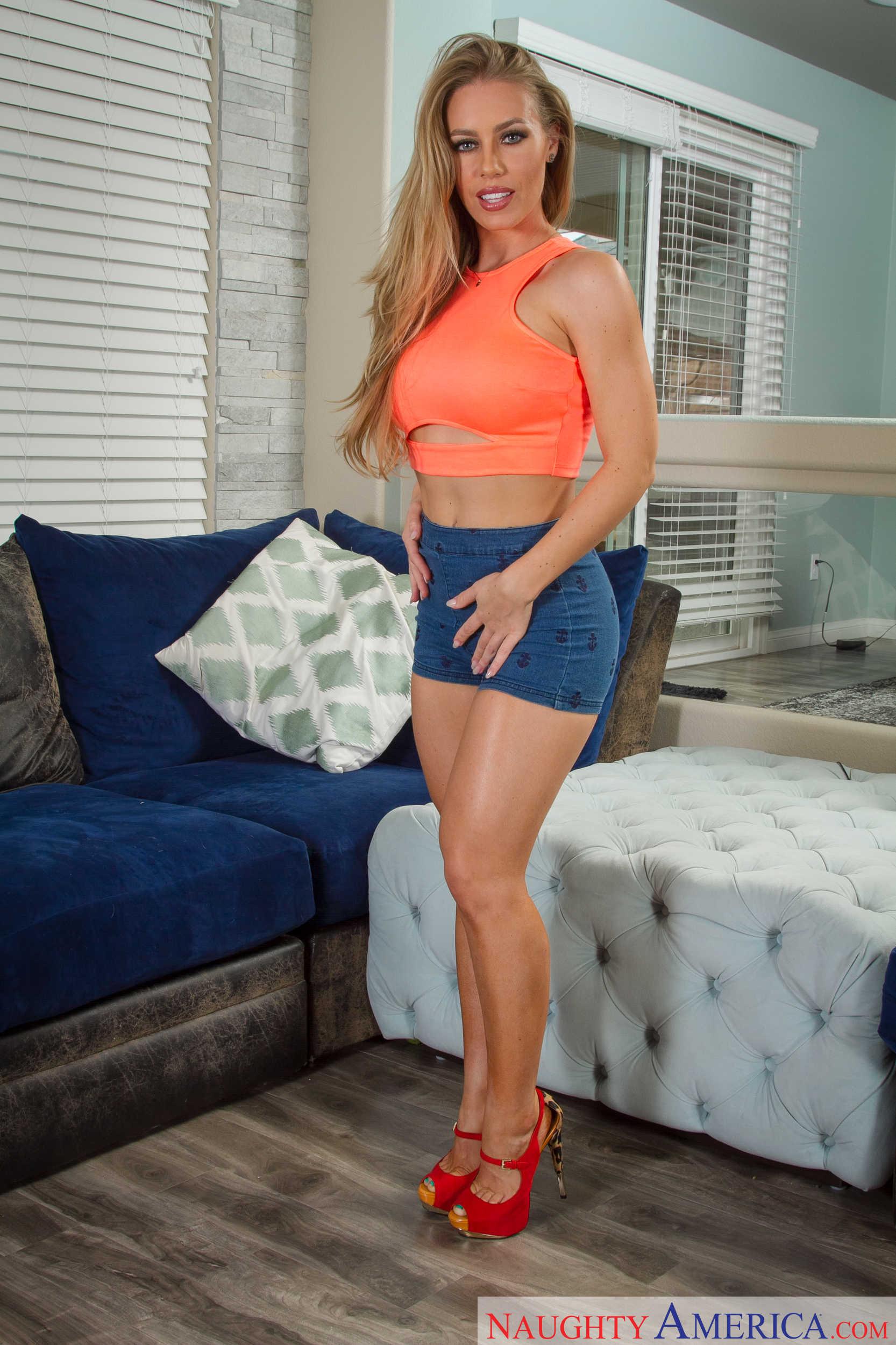 Nicole Aniston - la zorra más caliente