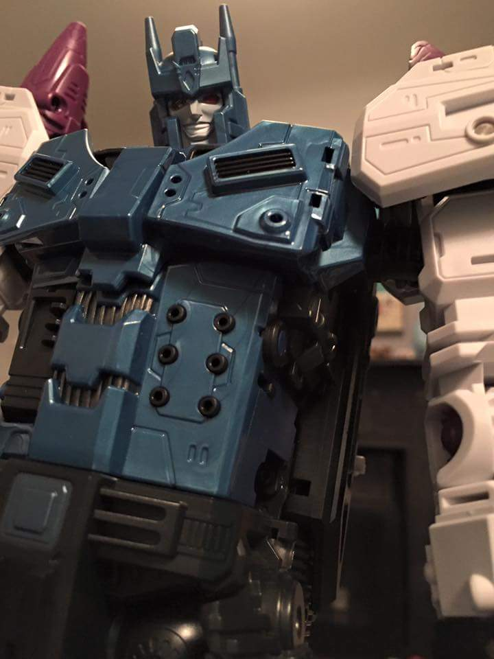 [Mastermind Creations] Produit Tiers - R-17 Carnifex - aka Overlord (TF Masterforce) - Page 3 ApBLiZLp