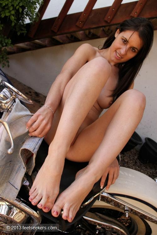 Silvia rubi masturbandose en el sev 2013