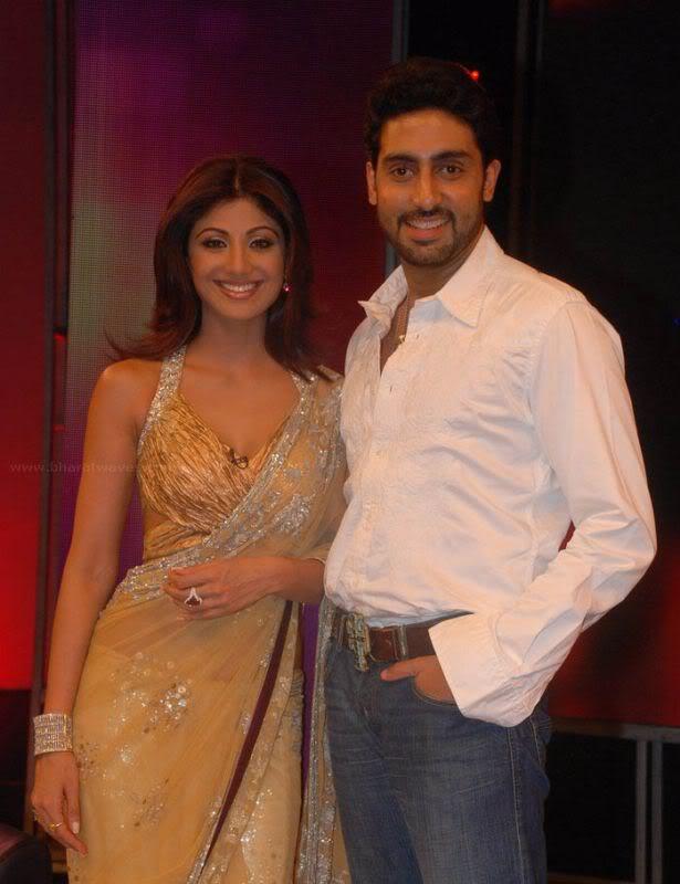 Shilpa Shetty's Sexy Curves in Transparent saree AbyfjTwq