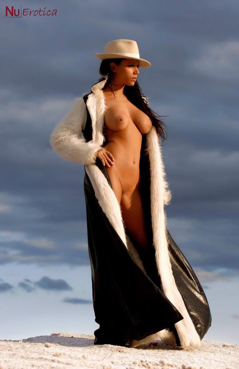 Nena argentina muestra tetas y cola por cam - 1 part 4