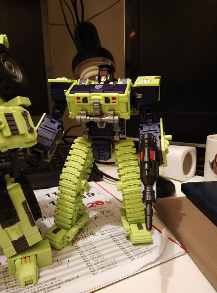 [Toyworld] Produit Tiers - Jouet TW-C Constructor aka Devastator/Dévastateur (Version vert G1 et jaune G2) - Page 5 XGkTWeyy