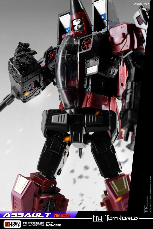 [ToyWorld] Produit Tiers - TW-M02A Combustor (Ramjet/Statoréacto), TW-M02B Assault (Thrust/Fatalo), TW-M02C Requiem (Dirge/Funébro) - Page 3 JqKJcx7f