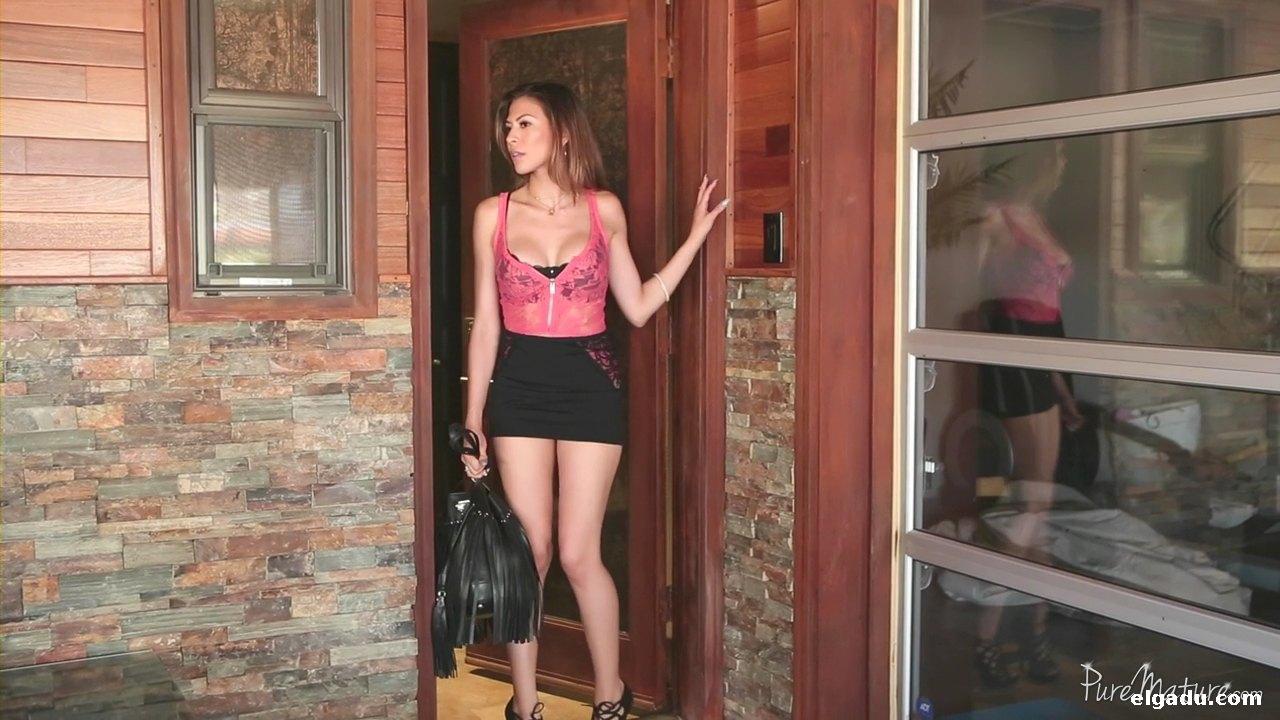 Preciosa latina mexicana lenceria negra se masturba 5