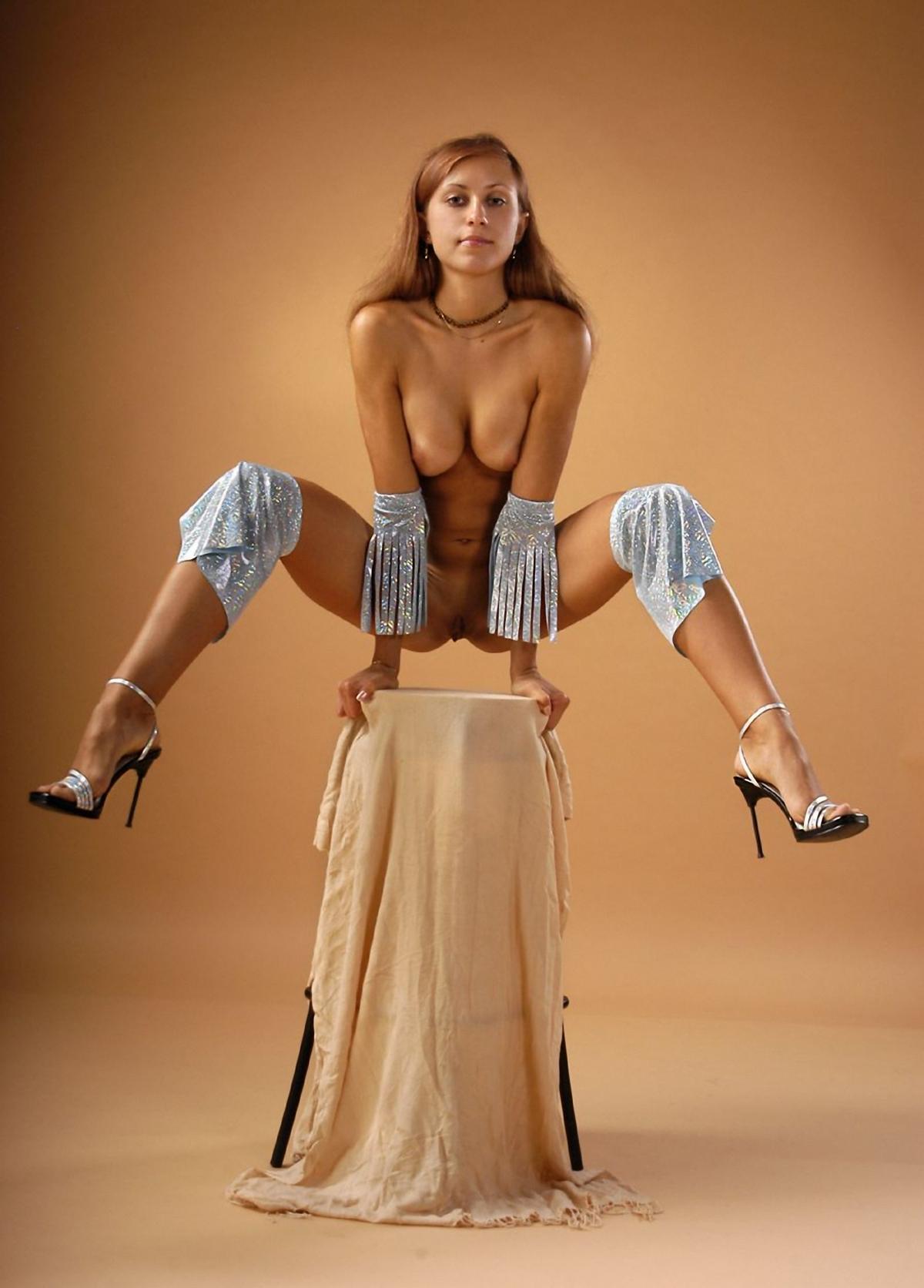 Фото голых женщин в цирке фото 145-437