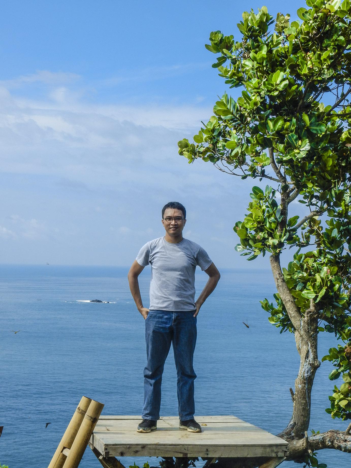 akses jalan menuju pantai patemon pantai watu pawon di kebumen