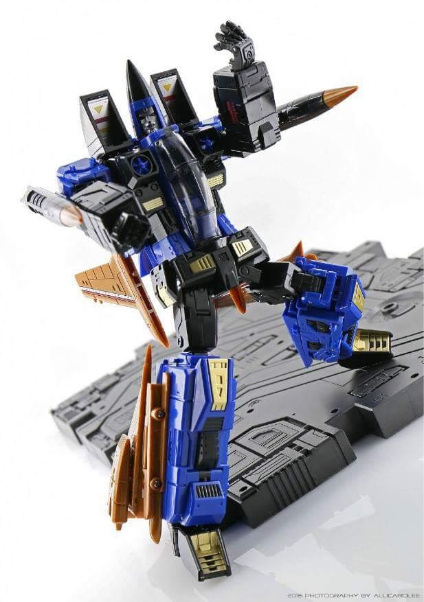 [ToyWorld] Produit Tiers - TW-M02A Combustor (Ramjet/Statoréacto), TW-M02B Assault (Thrust/Fatalo), TW-M02C Requiem (Dirge/Funébro) - Page 2 Cchp0n2H