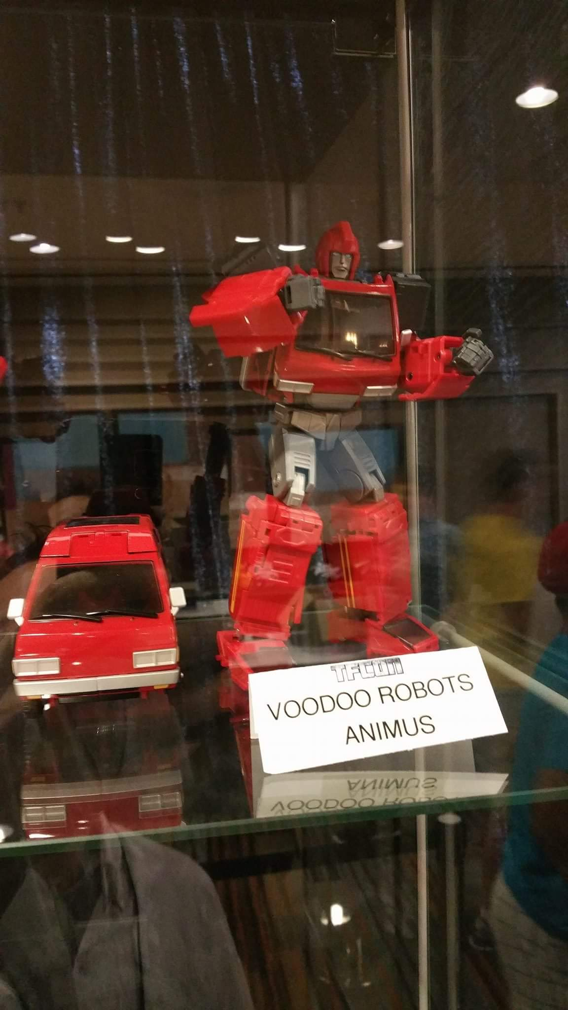 [Voodoo Robots] Produit Tiers - Salus (aka Ratchet/Mécano) & Animus (aka Ironhide/Rhino) - Page 3 89N0u9LV