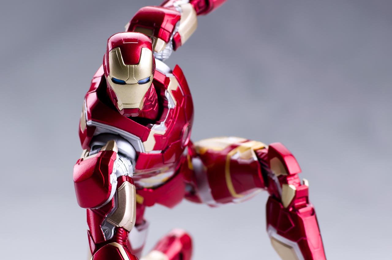 Iron Man (S.H.Figuarts) - Page 3 GQzpadvW