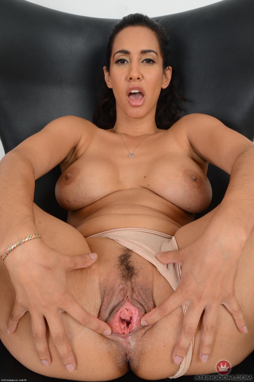 Hot spanish pussy pics — img 7