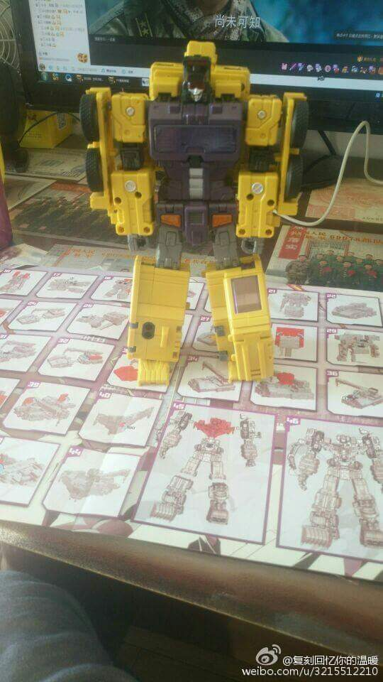 [Toyworld] Produit Tiers - Jouet TW-C Constructor aka Devastator/Dévastateur (Version vert G1 et jaune G2) - Page 8 Dh1vLRmd