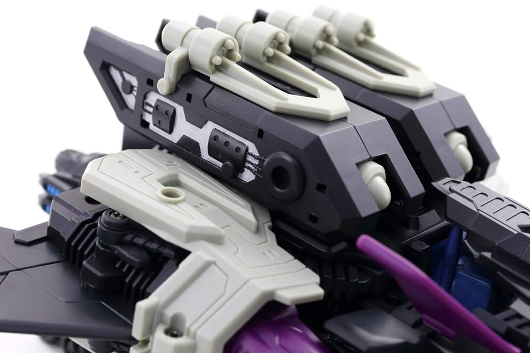 [Mastermind Creations] Produit Tiers - R-17 Carnifex - aka Overlord (TF Masterforce) - Page 3 KE4eV3VF