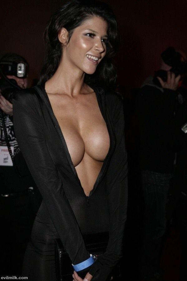 Woman Not Wearing Bra