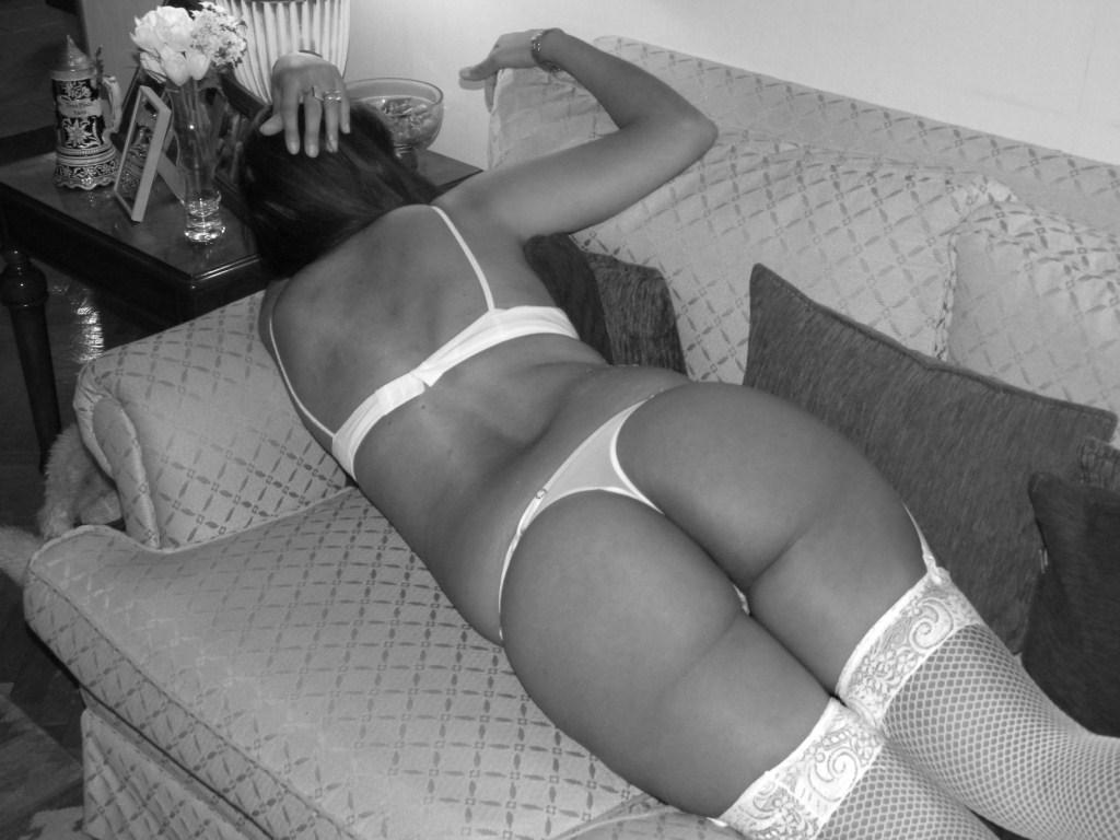 sofy, erotismo en blanco y negro