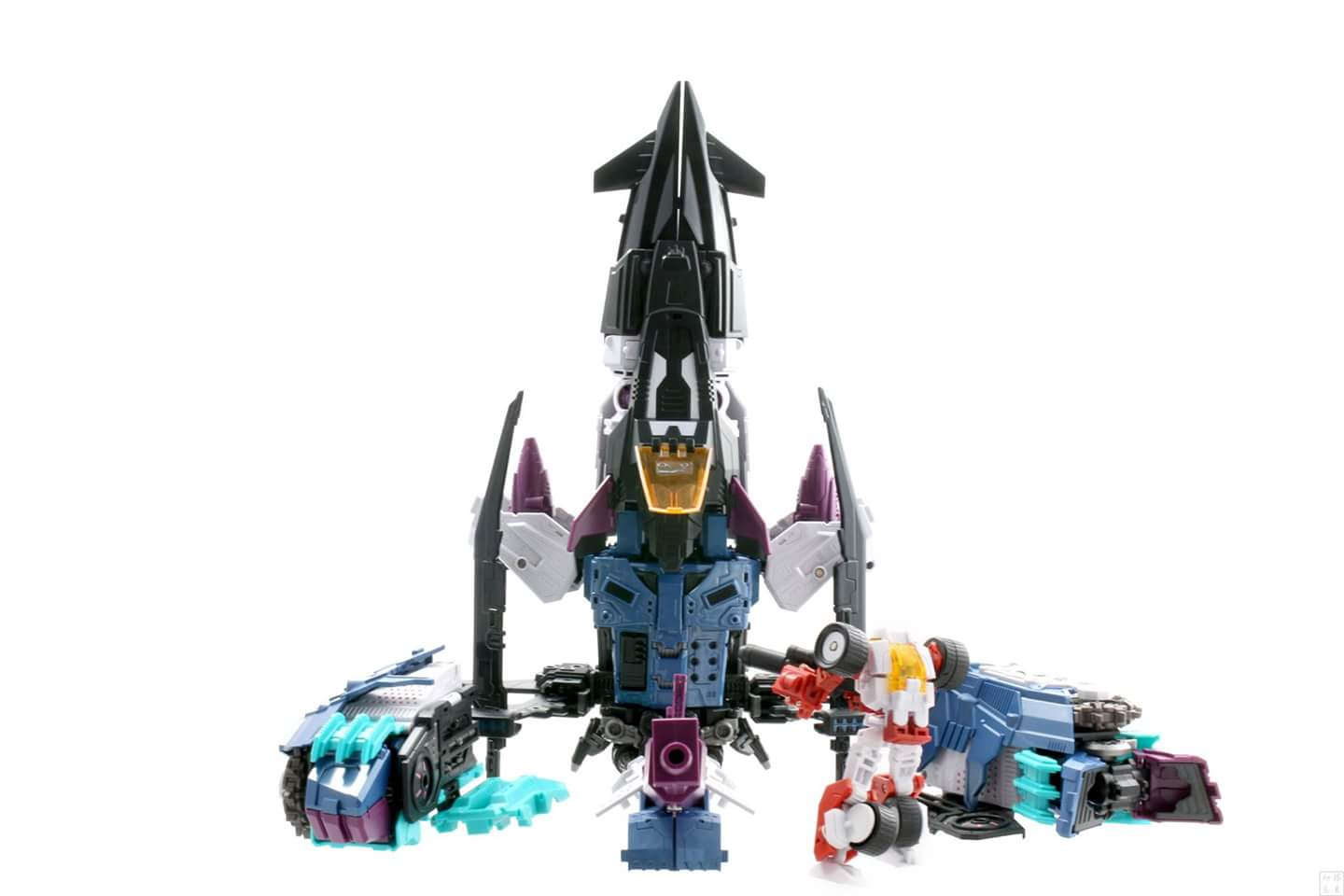 [Mastermind Creations] Produit Tiers - R-17 Carnifex - aka Overlord (TF Masterforce) - Page 3 0CHKrIDG