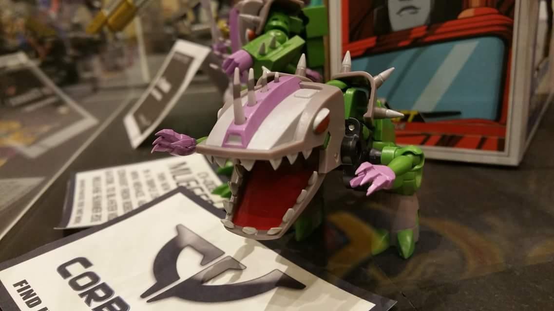 Produit Tiers: [Corbot V] CV-002 Mugger - aka Allicon | [Unique Toys] G-02 Sharky - aka Sharkticon/Requanicon DVyLFQvr