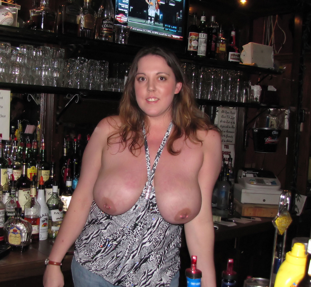 Wife Serves Drinks Topless Porn