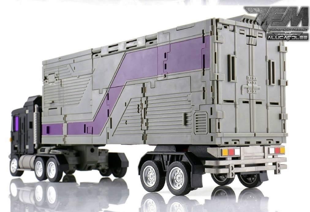 [Transform Mission] Produit Tiers - Jouet M-01 AutoSamurai - aka Menasor/Menaseur des BD IDW - Page 4 LvHexNsg