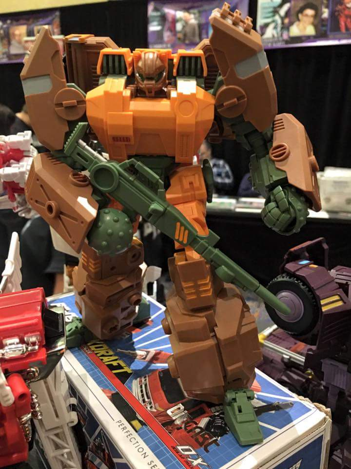 [Mastermind Creations] Produit Tiers - R-23 Dicamus - aka Roadbuster/Cahot des Wreckers IDW FF9se3TB