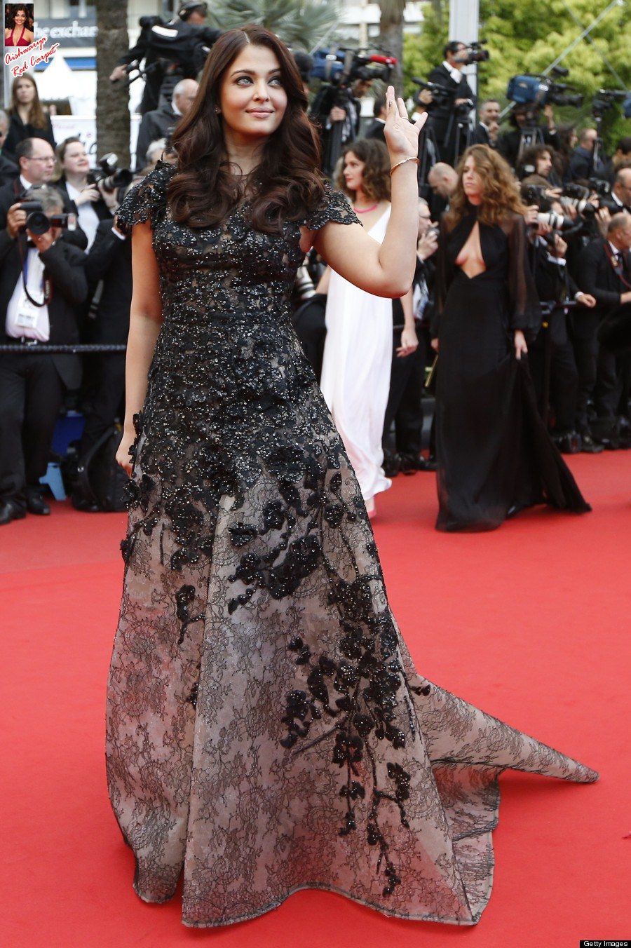 Aishwarya on Red Carpet - Page 2 Acoes0LY