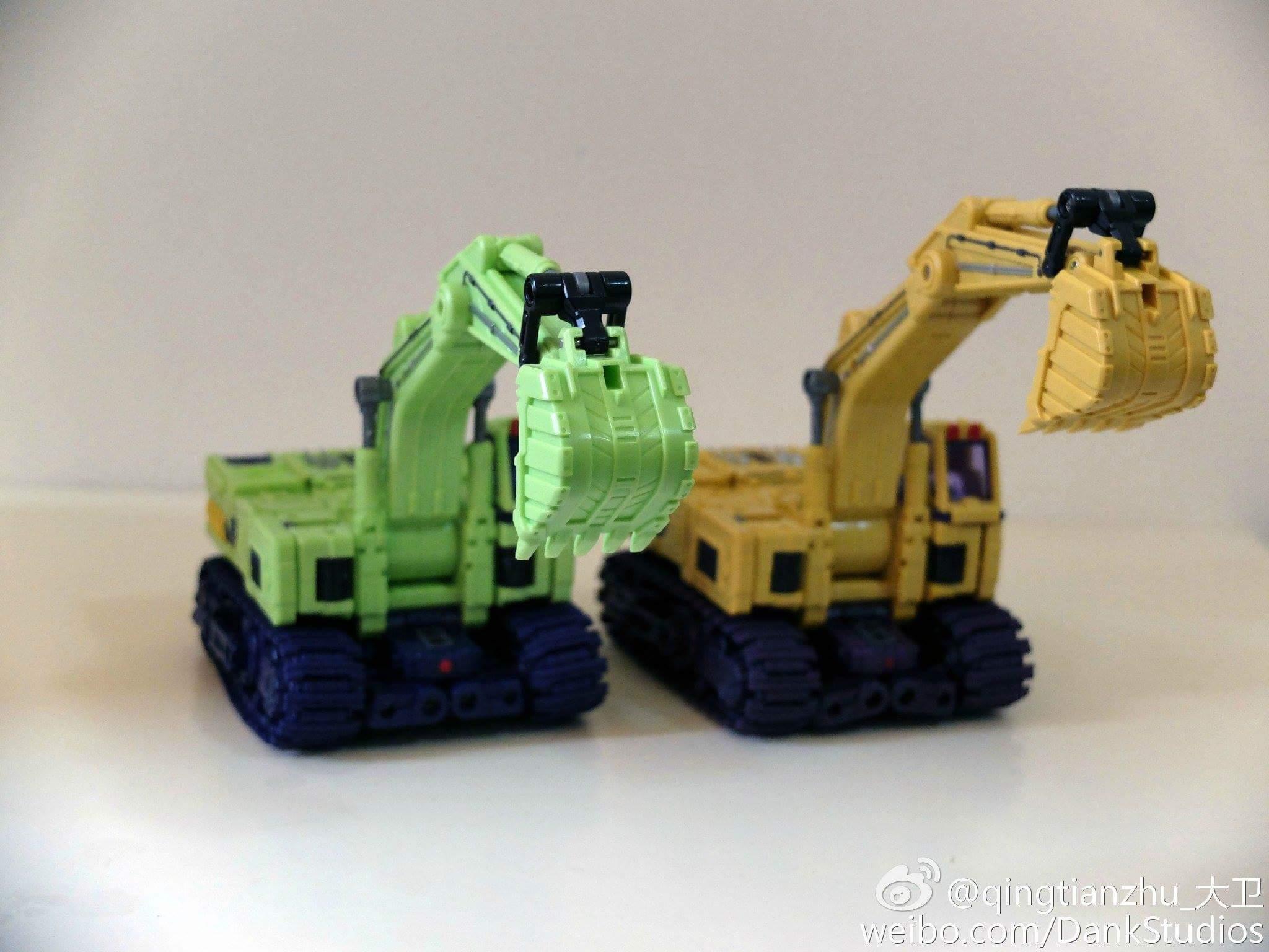 [Toyworld] Produit Tiers - Jouet TW-C Constructor aka Devastator/Dévastateur (Version vert G1 et jaune G2) - Page 8 Ez63jPm2