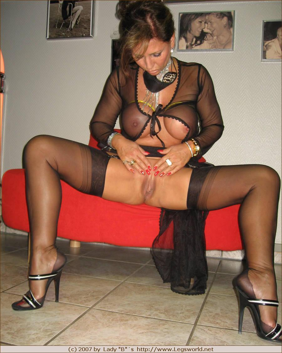 Pantyhose sales 2007
