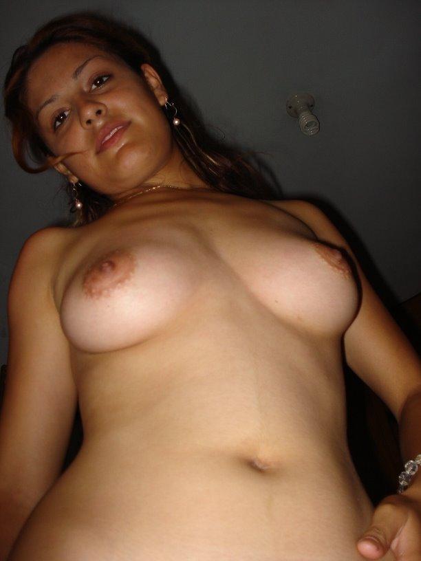 Latina Chica Peluda