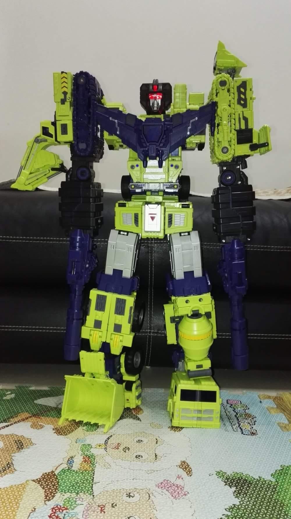 [Toyworld] Produit Tiers - Jouet TW-C Constructor aka Devastator/Dévastateur (Version vert G1 et jaune G2) - Page 6 CfJOwbno