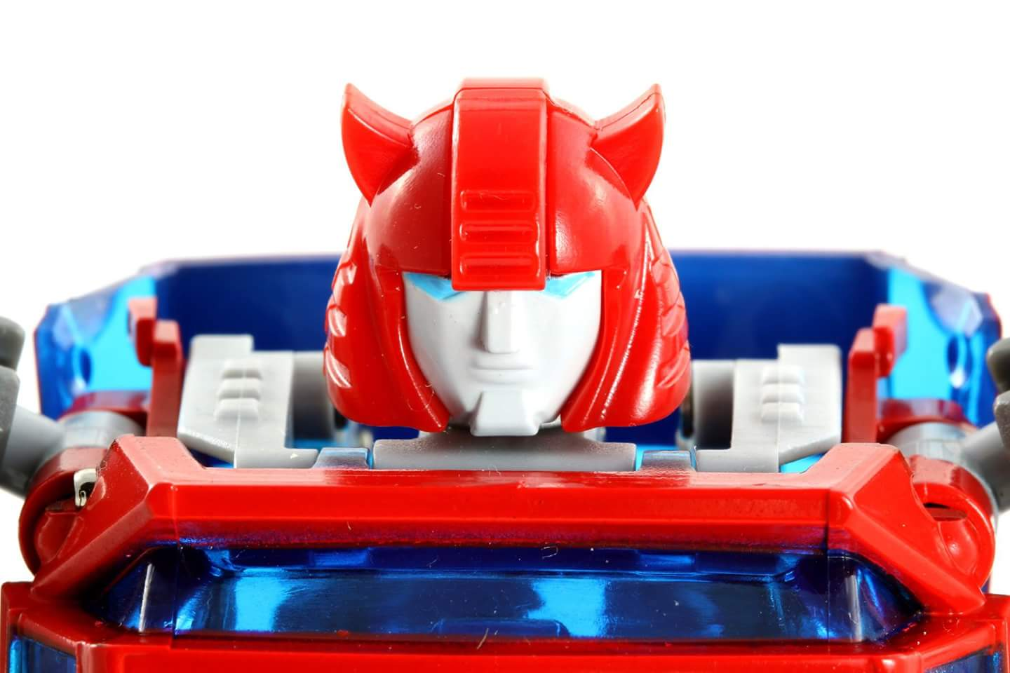 [ACE Collectables] Produit Tiers - Minibots MP - ACE-01 Tumbler (aka Cliffjumper/Matamore), ACE-02 Hiccups (aka Hubcap/Virevolto), ACE-03 Trident (aka Seaspray/Embruns) 97pHKvub
