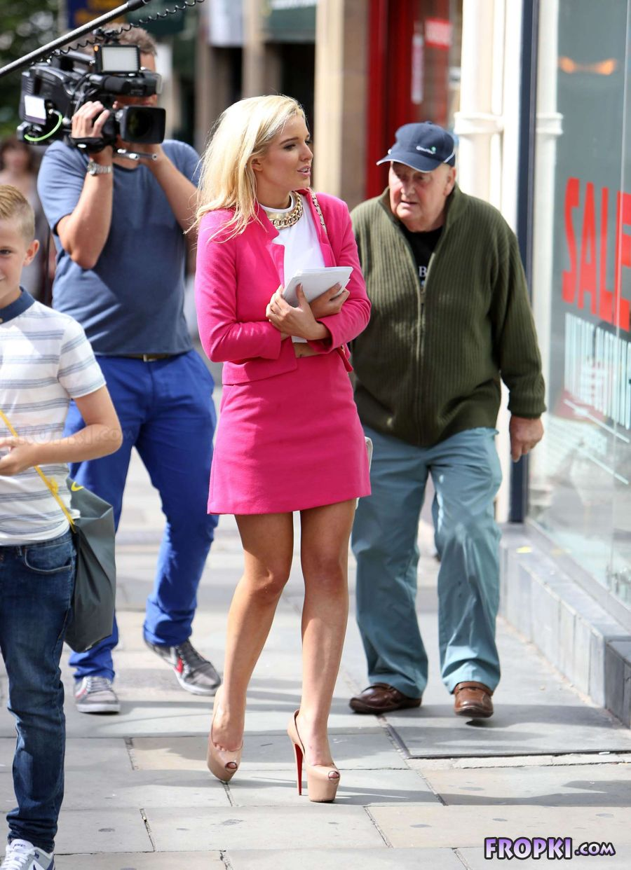 Helen Flanagan in suit on set of Celebrity Superspa AcjNhE3u