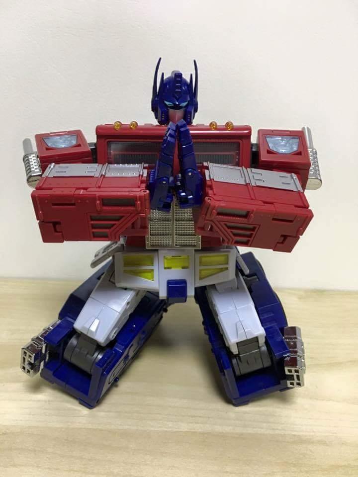 [ToyWorld][Zeta Toys] Produit Tiers - TW-M01 Primorion/Zeta-EX6O OriPrime et Zeta -EX6E EvaPrime - aka Optimus (G1 et Evangelion) WpOMiVzC