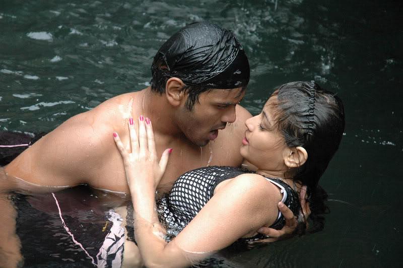 Sneha Ullal Hot Water Scene AblDn098
