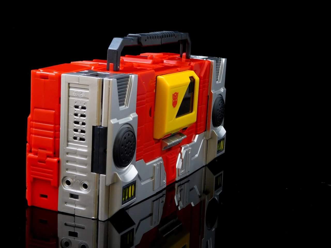 [KFC Toys] Produit Tiers - Jouet Transistor (aka Blaster/Tempo) + DoubleDeck (Twincast) + Fader (aka Eject/Éjecteur) + Rover (aka Autoscout) - Page 2 0deCc3NV