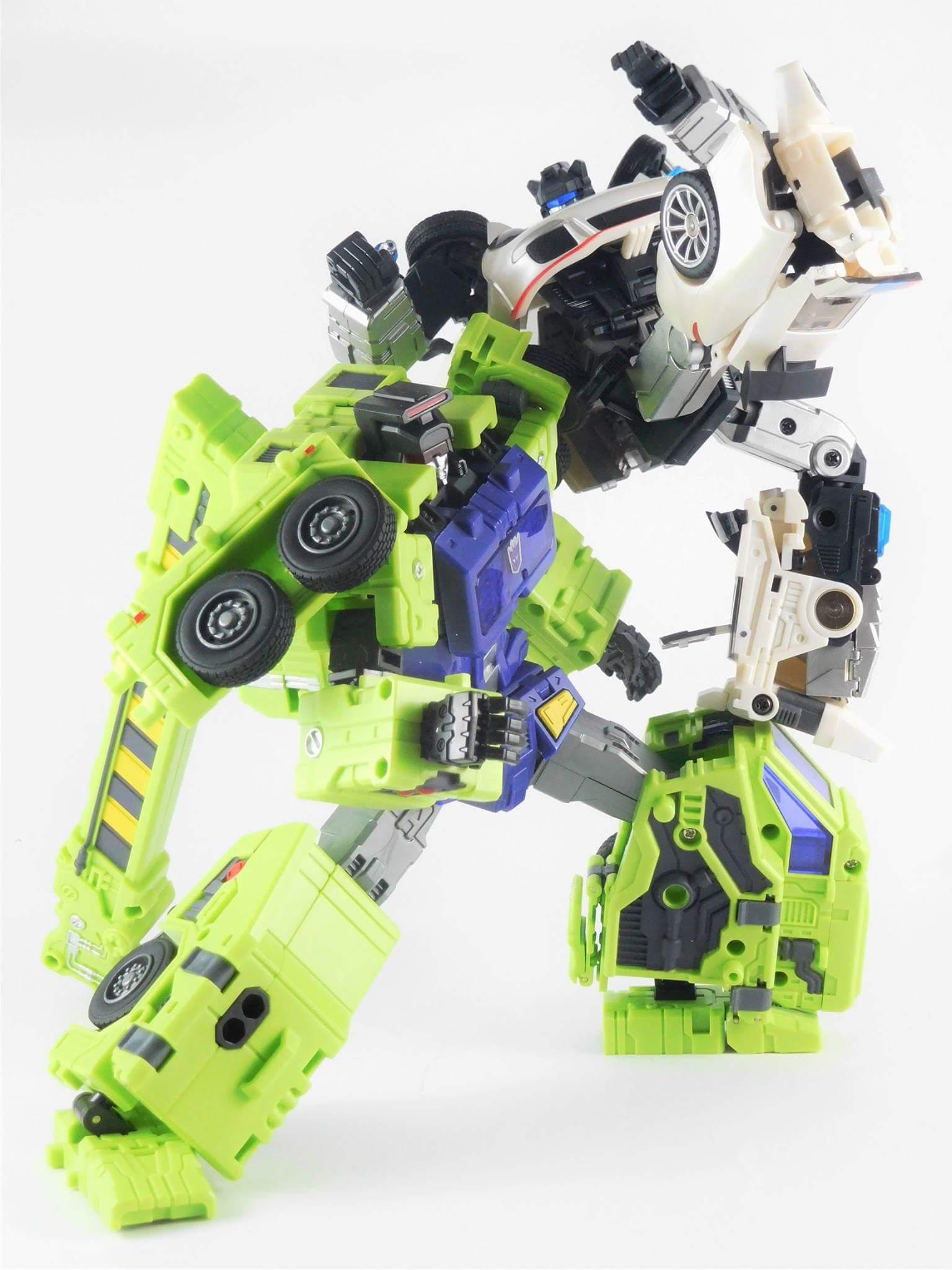 [Generation Toy] Produit Tiers - Jouets TF de la Gamme GT - des BD TF d'IDW - Page 2 Do2UcXFj