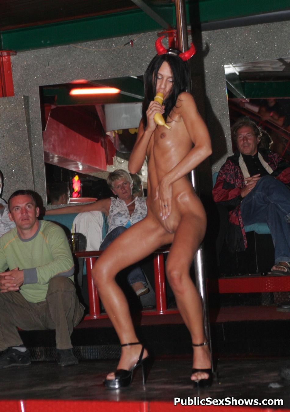 Public Sex Shows - sexo en el escenario