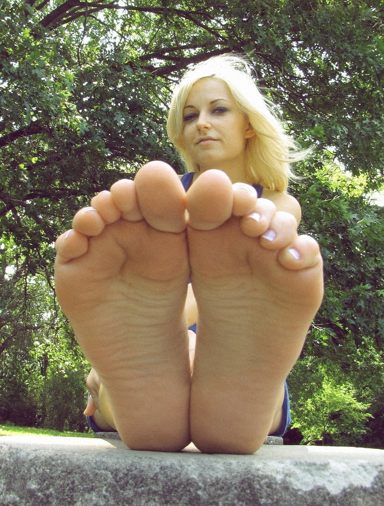 Mude Feet 17