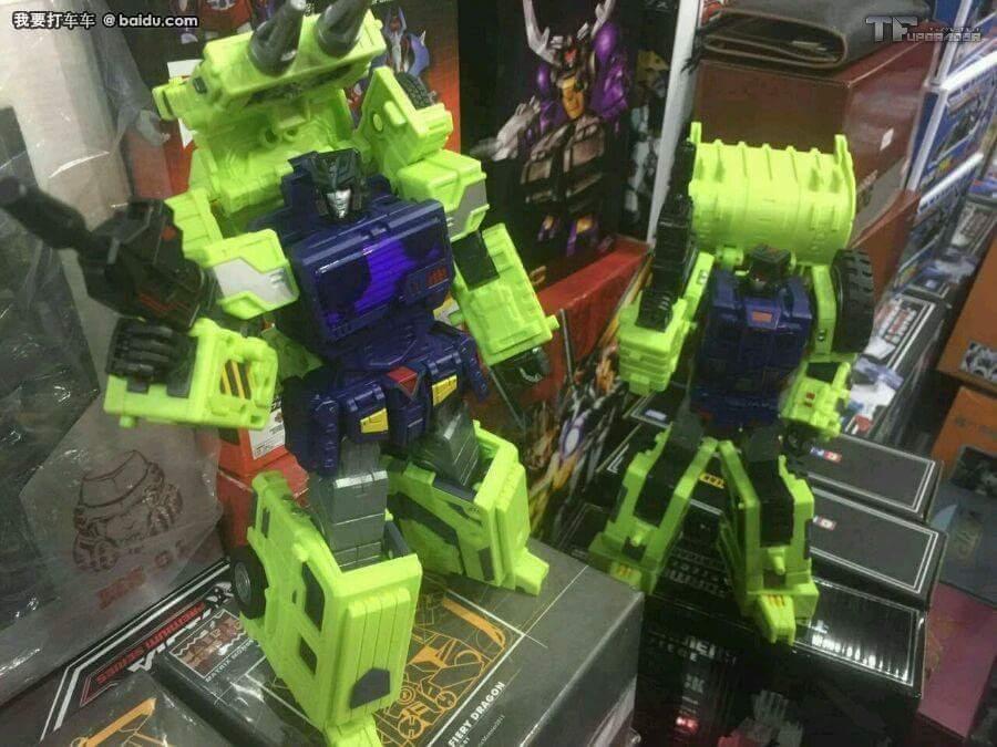 [Toyworld] Produit Tiers - Jouet TW-C Constructor aka Devastator/Dévastateur (Version vert G1 et jaune G2) - Page 5 YVsR8c2k