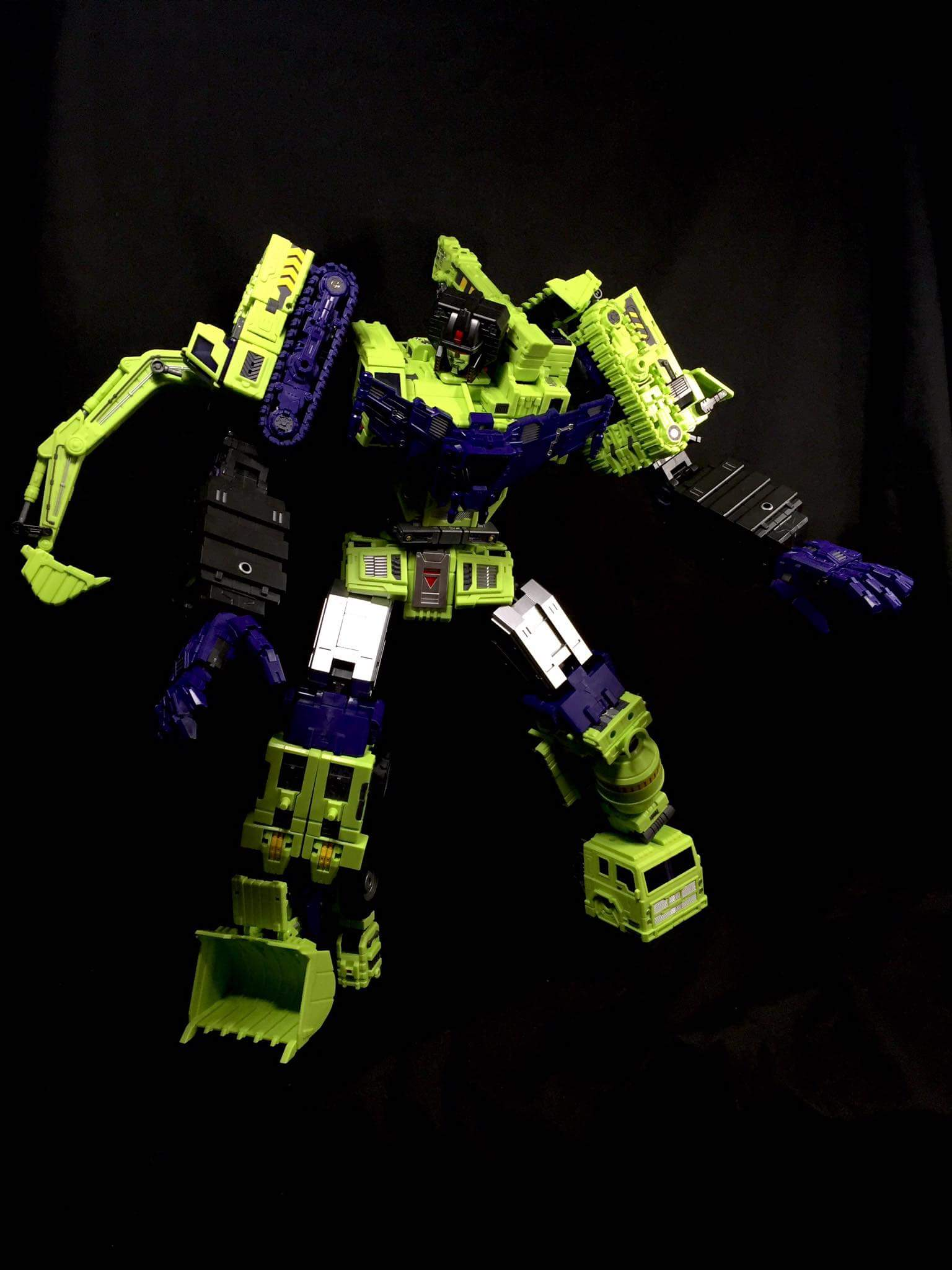 [Toyworld] Produit Tiers - Jouet TW-C Constructor aka Devastator/Dévastateur (Version vert G1 et jaune G2) - Page 7 NLbnm02H