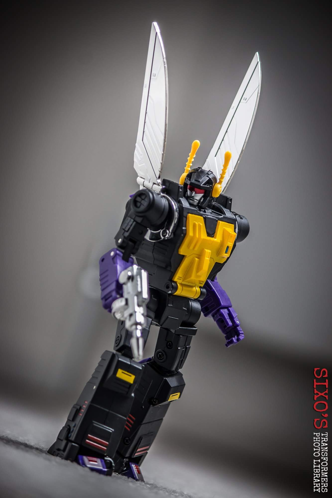 [Fanstoys] Produit Tiers - Jouet FT-12 Grenadier / FT-13 Mercenary / FT-14 Forager - aka Insecticons - Page 4 RFHmTKJk