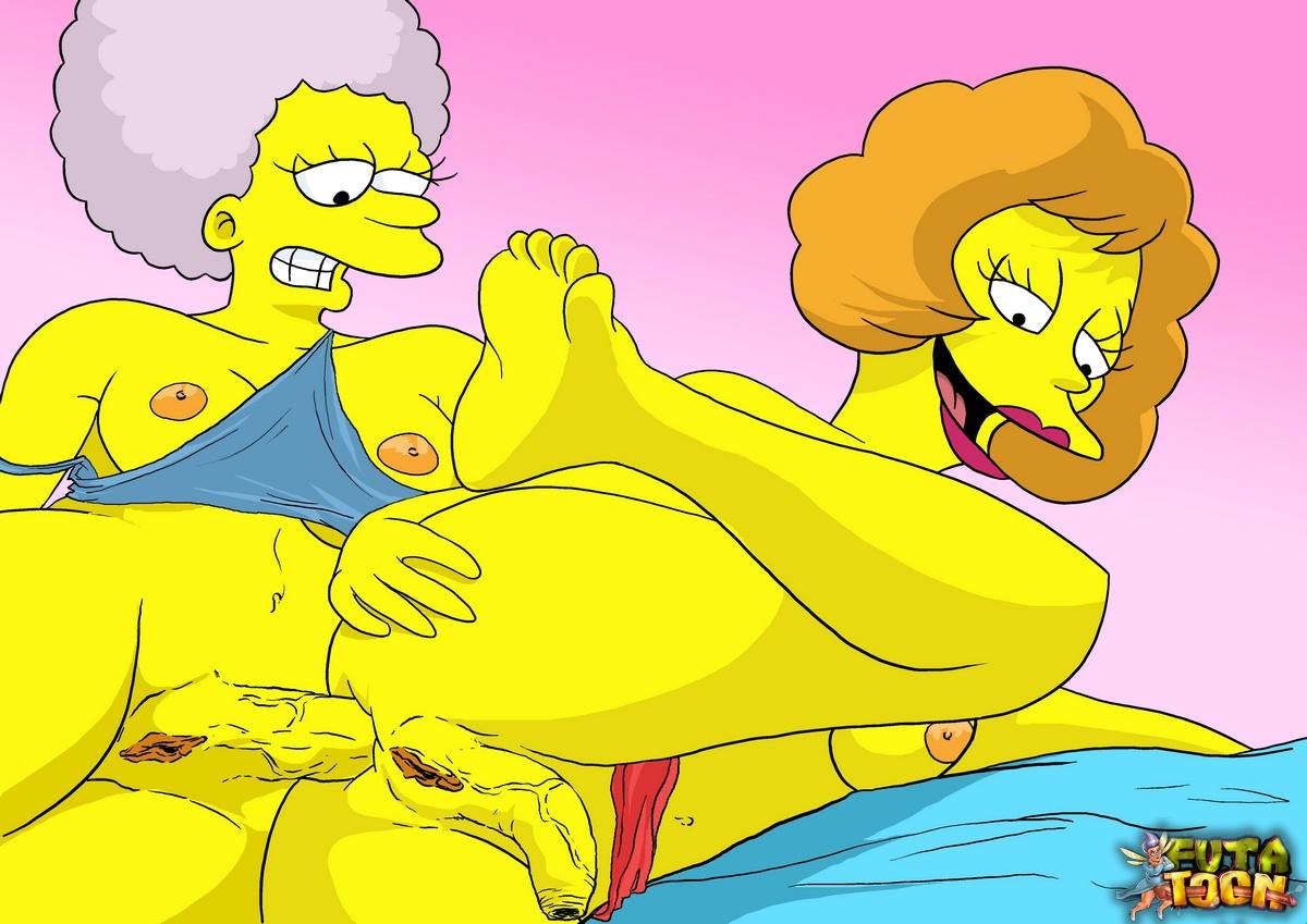 Patty Bouvier tiene sexo de lesbianas