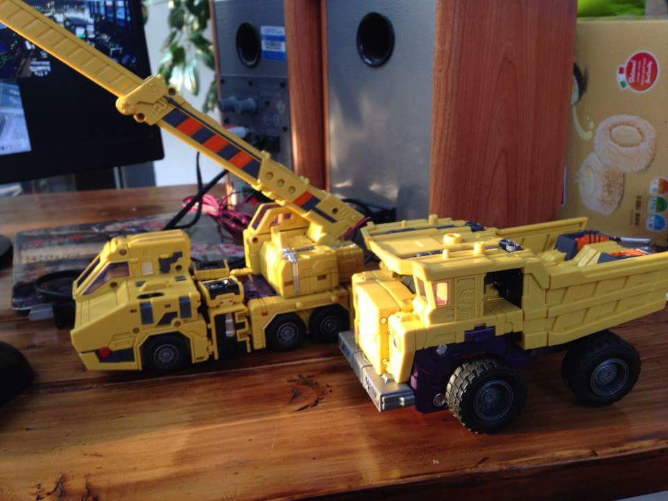 [Toyworld] Produit Tiers - Jouet TW-C Constructor aka Devastator/Dévastateur (Version vert G1 et jaune G2) - Page 8 NRpVP2dA