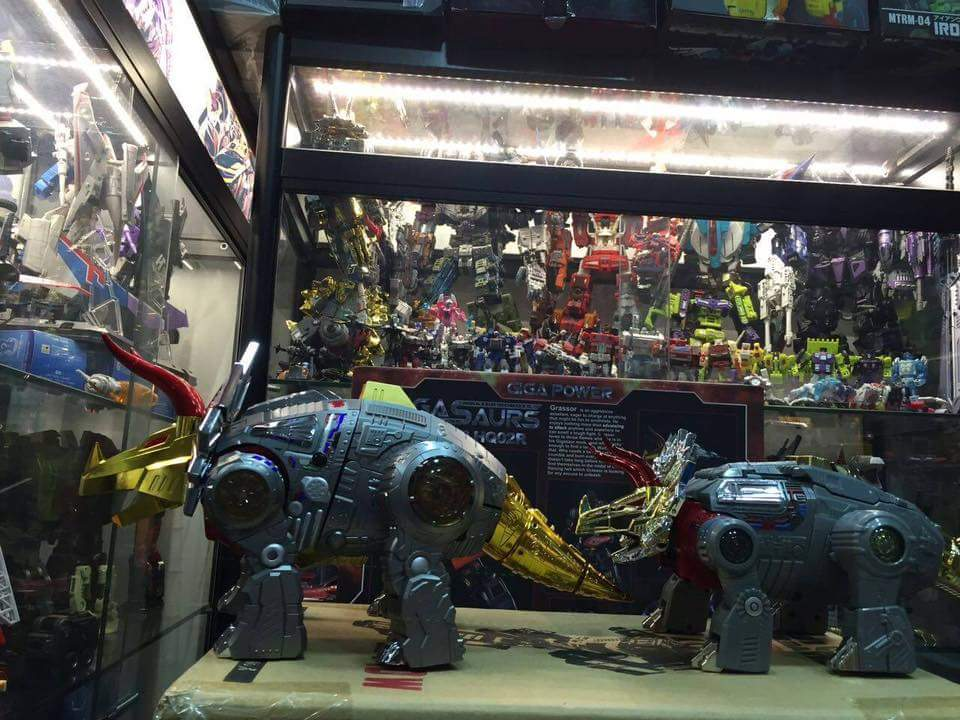 [GigaPower] Produit Tiers - Jouets HQ-01 Superator + HQ-02 Grassor + HQ-03 Guttur + HQ-04 Graviter + HQ-05 Gaudenter - aka Dinobots - Page 4 ZsMJzIej