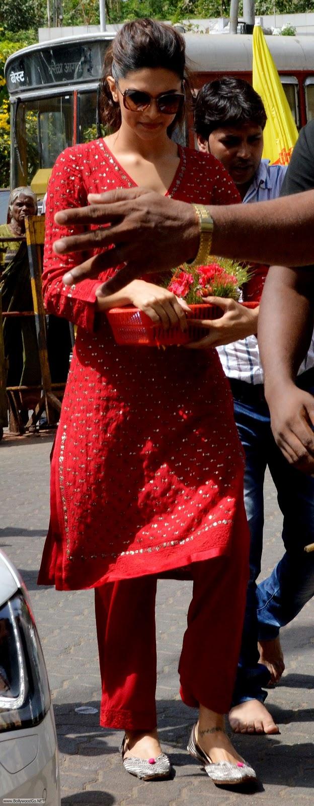 Deepika Padukone at Siddhivinayak Temple Pictures AblKxwRV