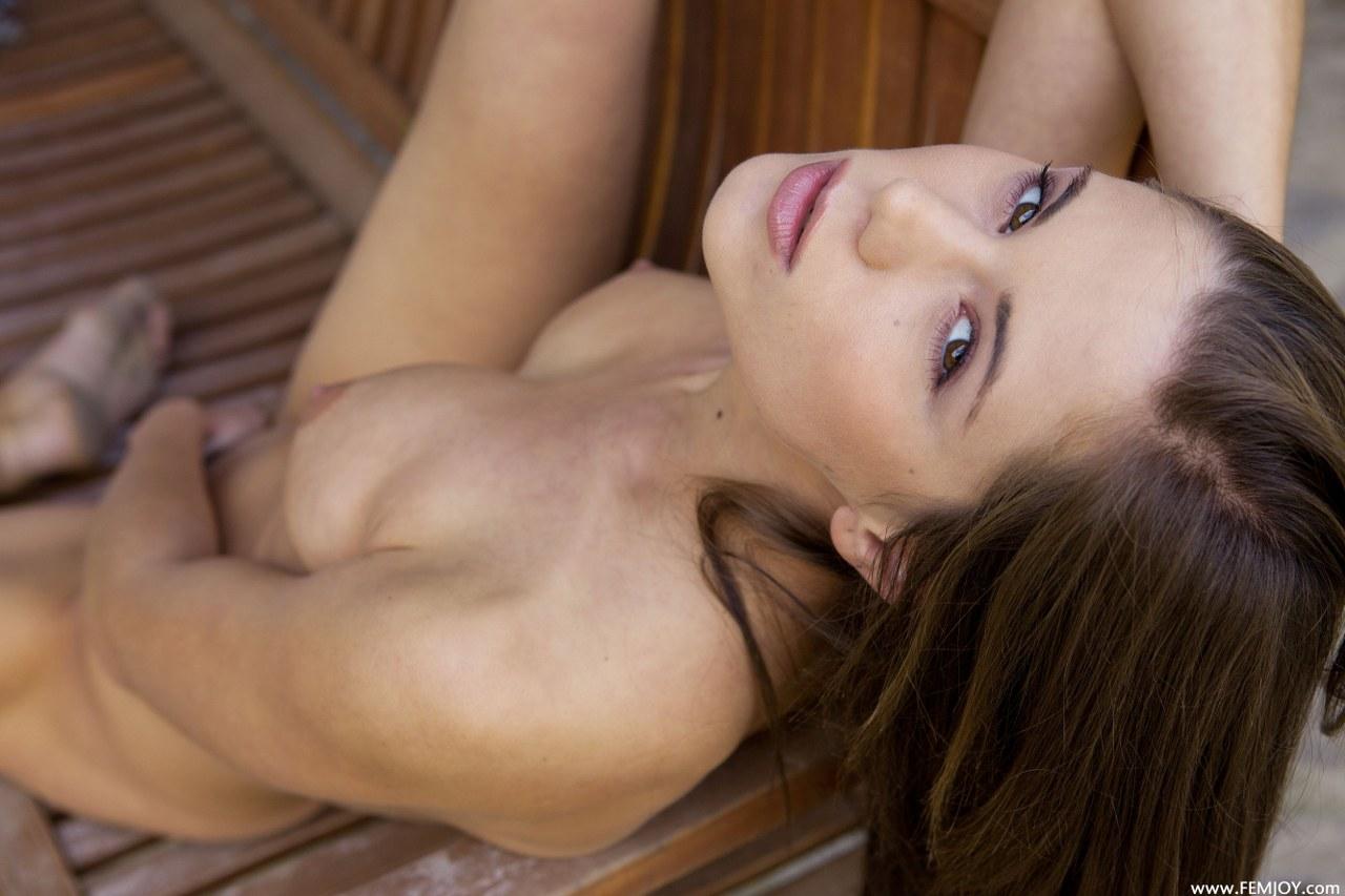 Flaca desnudandose y masturbandose para ti slim undresing - 3 part 10