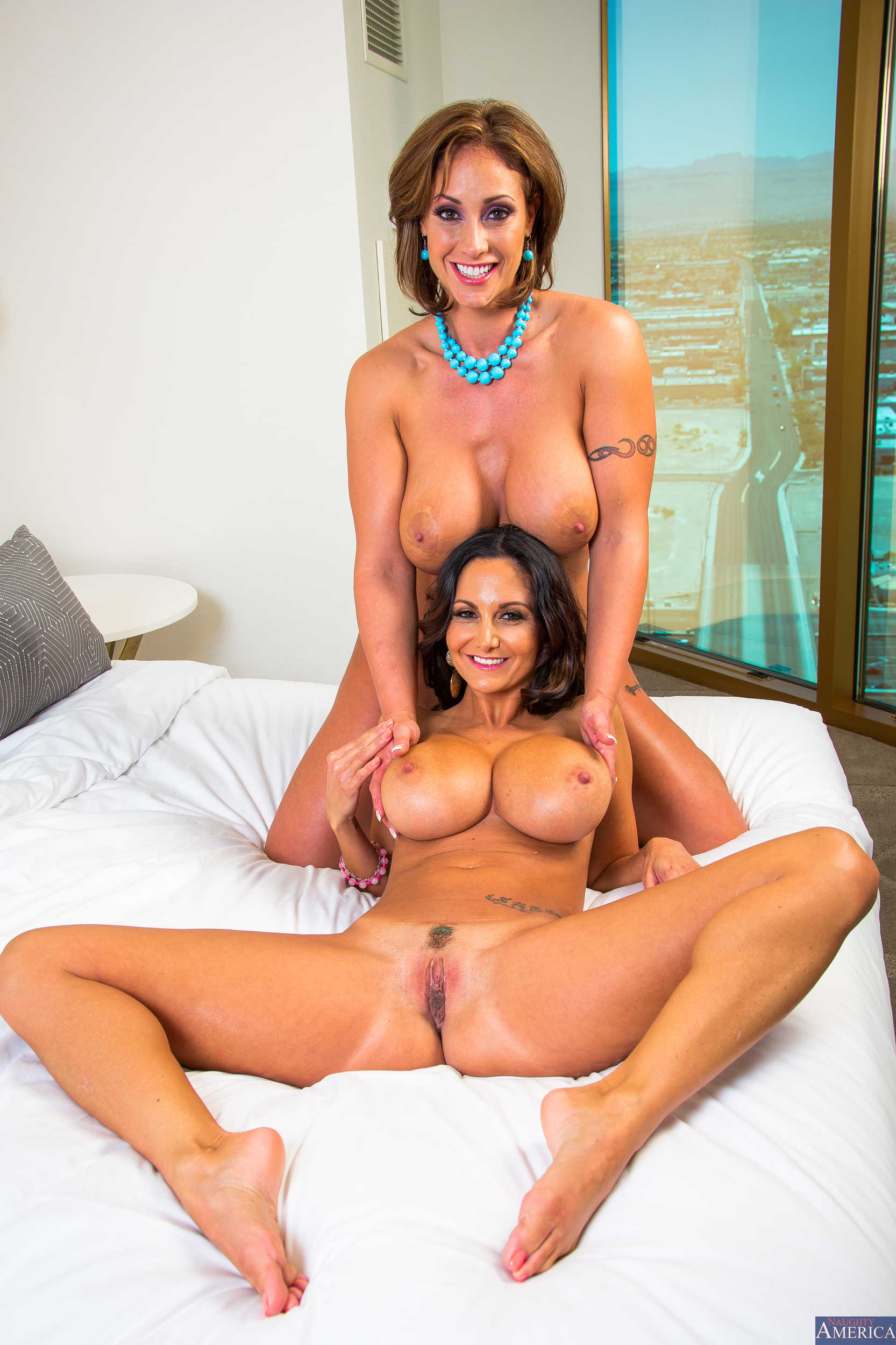 Busty babes kendra lust and lisa ann fuck in threesome 9